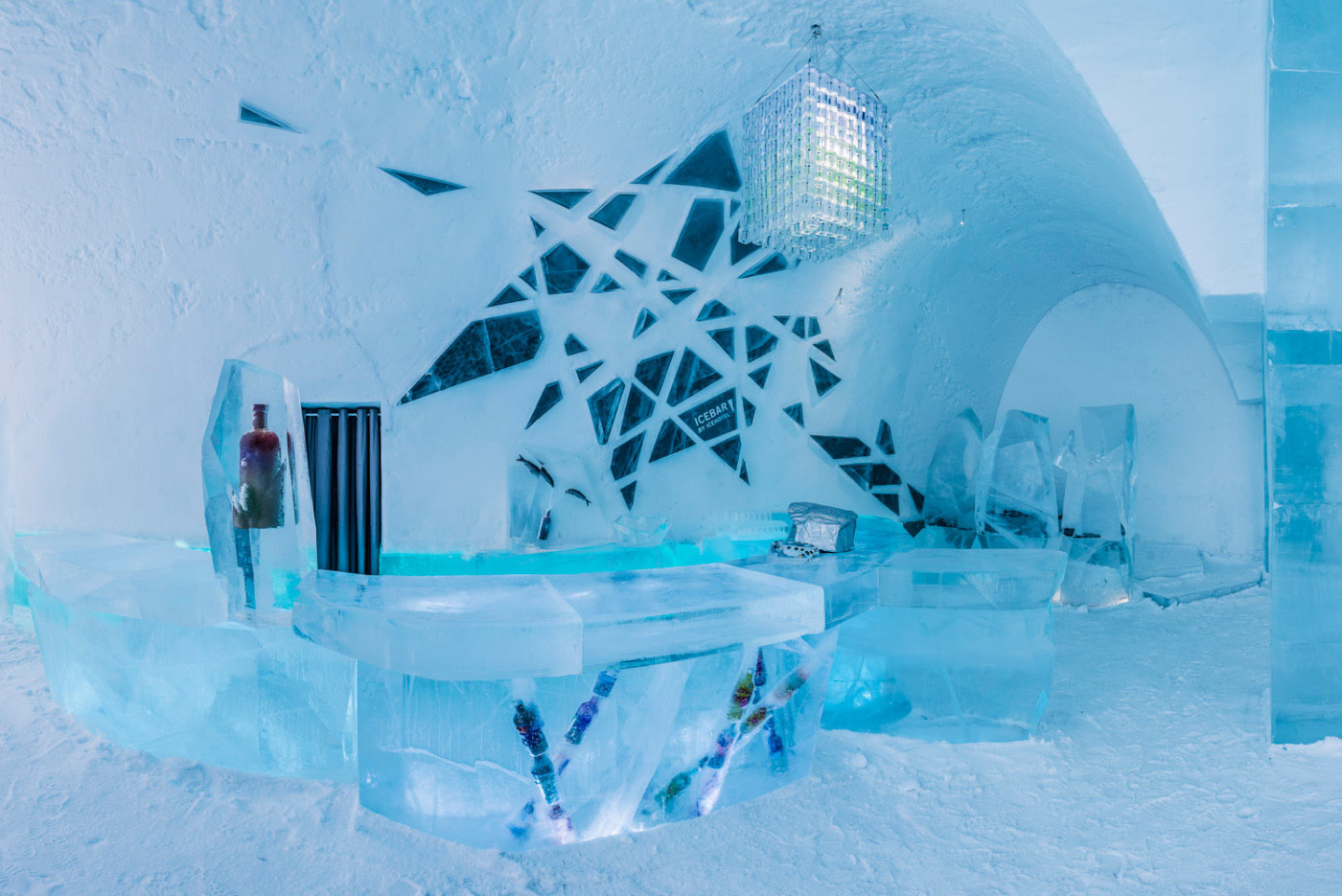 sweden 39 s icehotel is now open 365 days a year kids news article page 8. Black Bedroom Furniture Sets. Home Design Ideas
