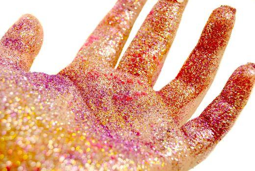 Glitter-2500318_960_720-medium