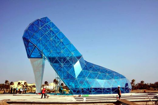 New Taiwanese Church Resembles Cinderella's Glass-Slipper
