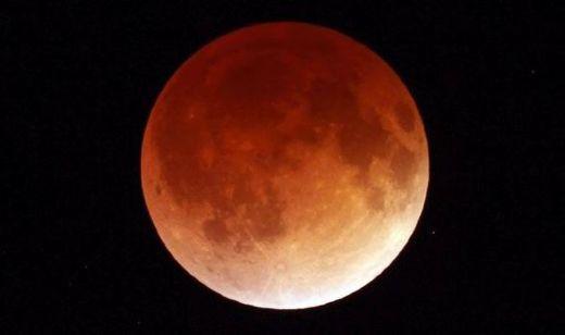 Short But Spectacular Lunar Eclipse Delights Millions