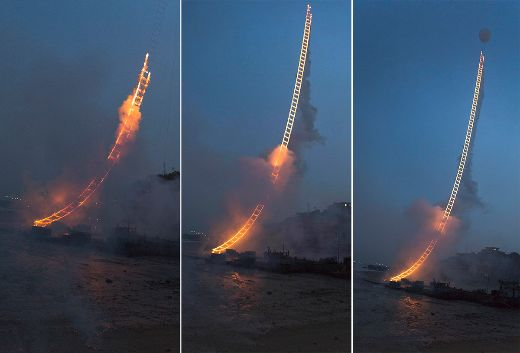 Video Of The Week - Chinese Artist Lights Up The Skies With 500-Meter Fireworks Ladder