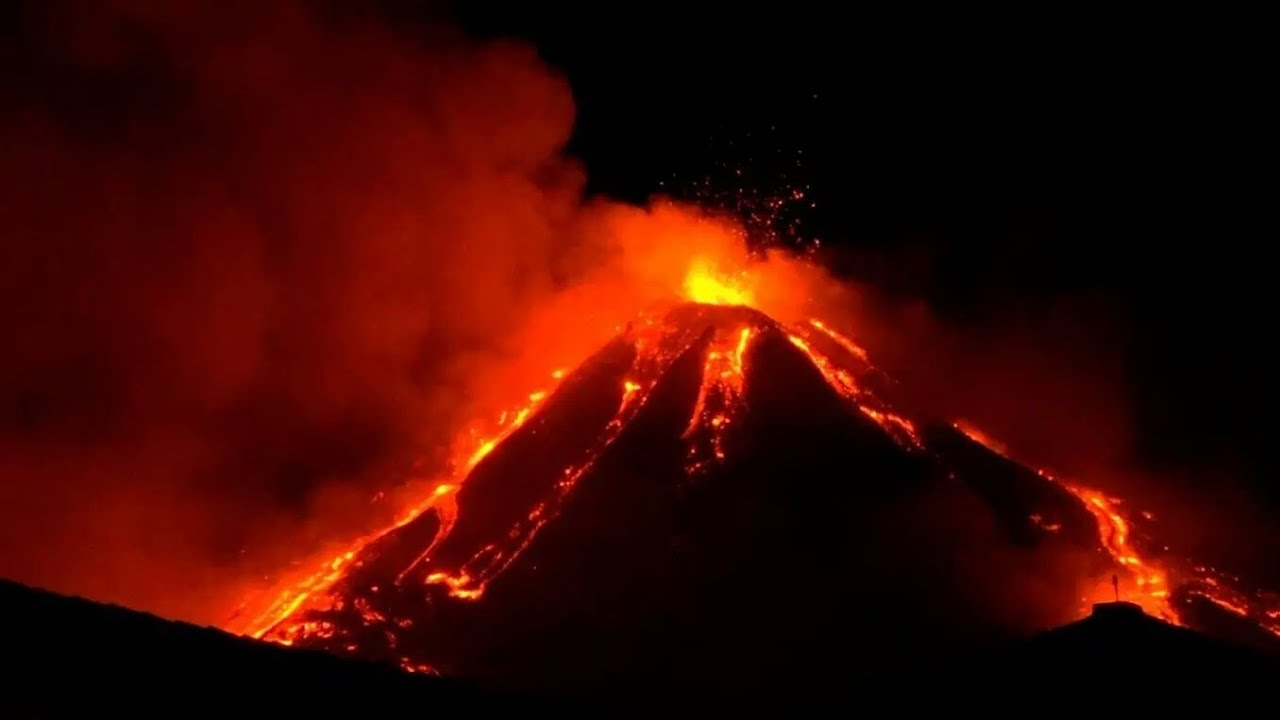 Italy's Mount Etna Puts Up A Dazzling Show