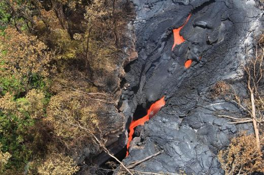 Lava From Hawaii's Kilauea Volcano Inching Scarily Close To Homes