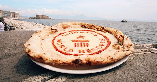 Italian Chefs Break Yet Another Guinness World Record For World's Longest Pizza
