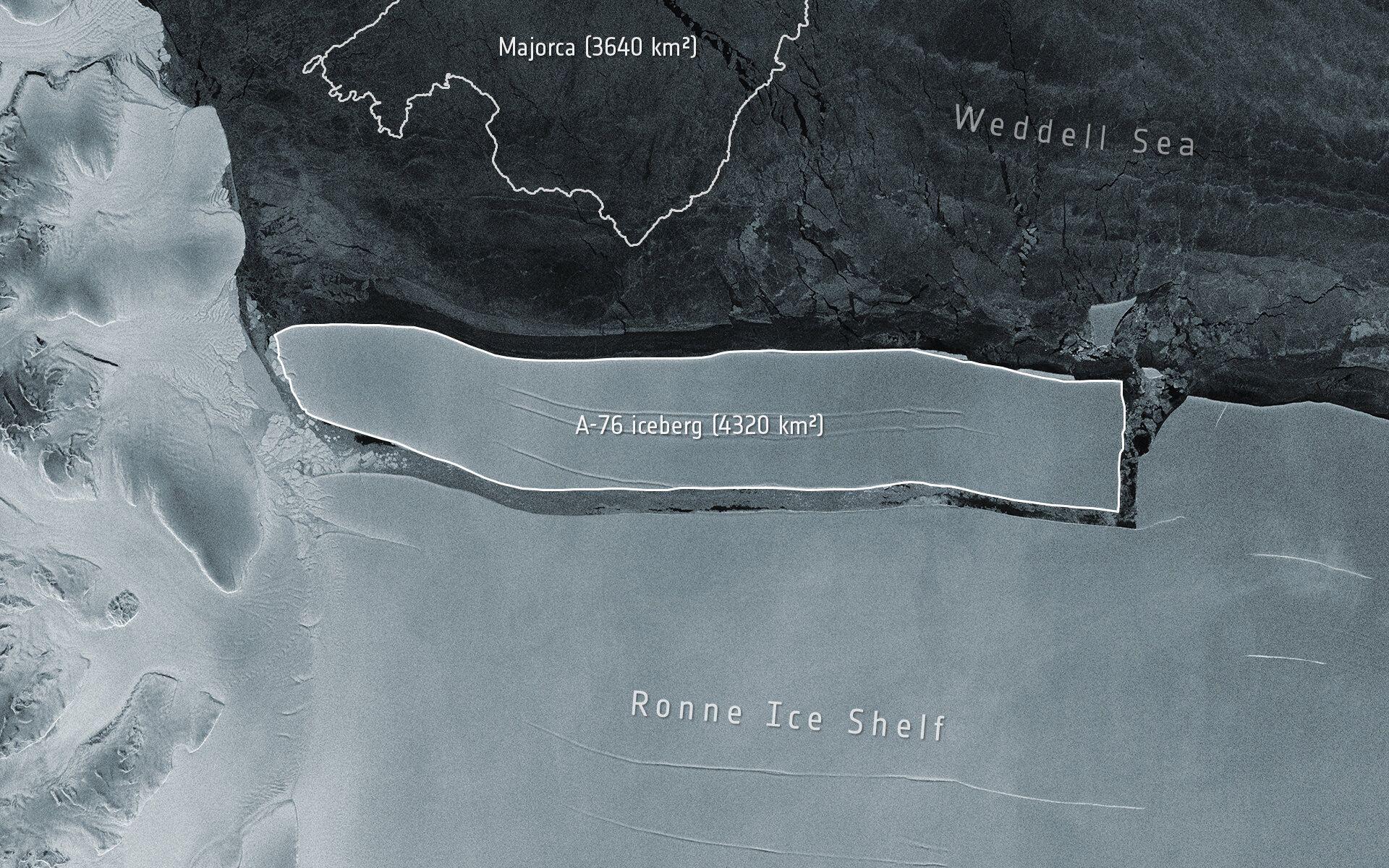 世界上最大的冰山从南极洲的Ronne冰架上断裂
