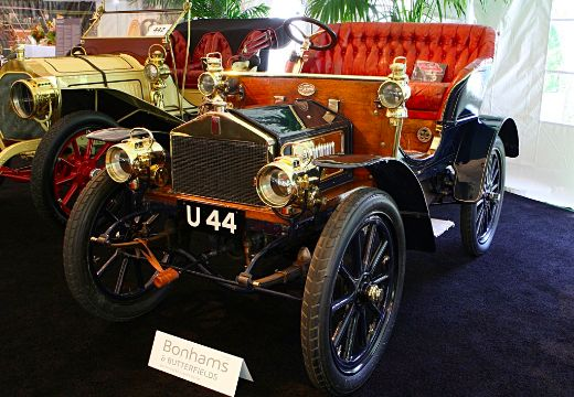 More than 100 years old, This Rolls Royce Keeps Chugging