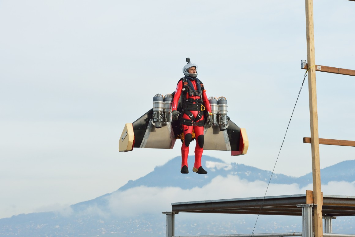 """Jetman"" Yves Rossy's Vertical Flight Is A Thing Of Beauty"