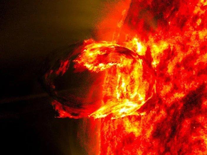 """Rosetta Stone"" Eruption On The Sun Provides Insights Into Solar Explosions"