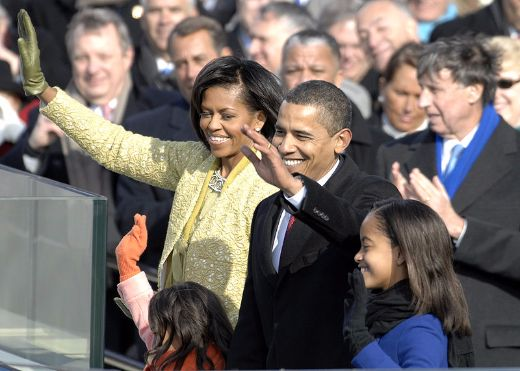 800px-obama_family_after_inaugural_address_1-20-09_hires_090120-f-3961r-968-medium