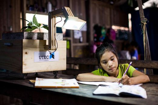 Ingenious Plant-Powered Lamps Bring Light To Remote Village In Peru