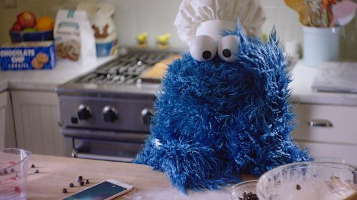 Video Of The Week -  Behind The Scenes With  Siri  And Cookie Monster