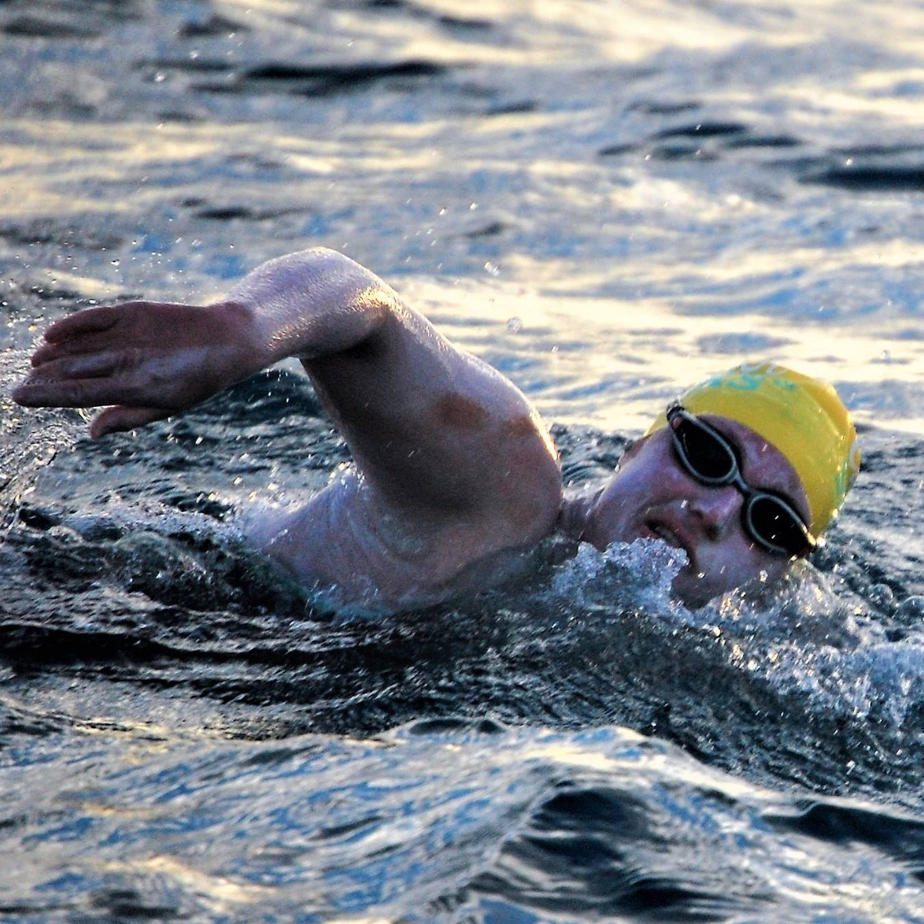 Marathon Swimmer Sarah Thomas Makes History With Four Concurrent English Channel Crossings