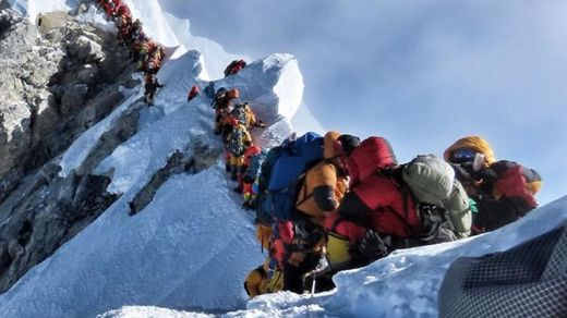The Rush To Summit Mount Everest Proves Fatal For Some Adventurers