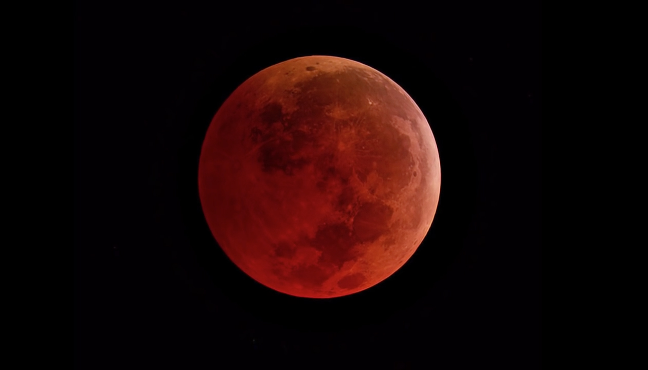 "Don't Miss The Spectacular ""Super Blood Moon"" Eclipse On January 20"
