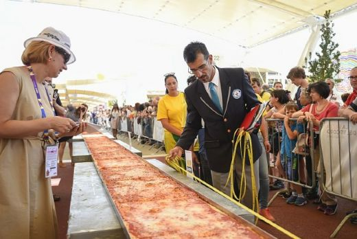Italy Serves Up World's Longest Pizza At Expo Milano 2015
