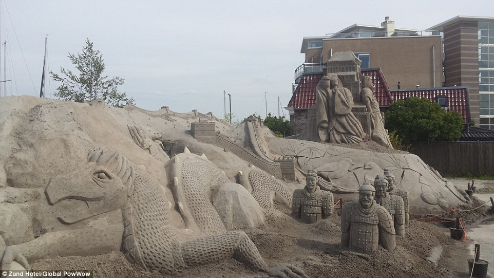Netherlands Is Home To The World S First Pop Up Sandcastle Hotels