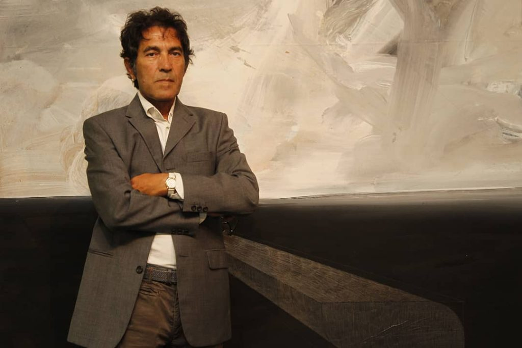 Italian Artist Sells An Invisible Sculpture For $18,000!