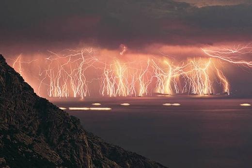 content_lightening-storm-Venezuela-.jpg
