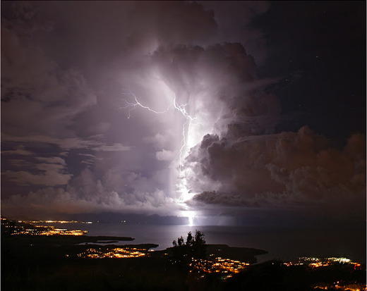 ... Relámpago del Catatumbo (the Catumbo lightning) is staged about 160 nights a year for up to 10 hours at a time. And unlike other measly lightning storms ... & Venezuelau0027s Most Persistent Lightning Storm Keeps Going And Going ... azcodes.com